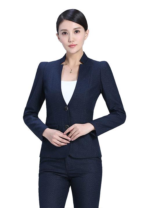 蓝色立领两粒扣西服