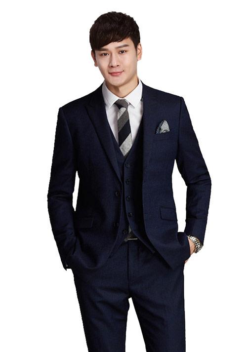商务休闲西服打领带的注意事项
